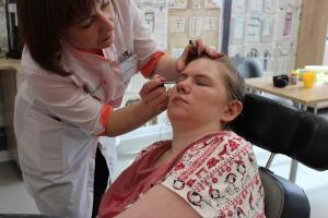"""Сейчас на реабилитации в РЦ """"Янтарь"""" находится молодая женщина - Наталья Пушкова со своей мамой Лидией Константиновной"""